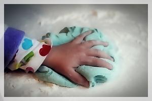 play doh hands